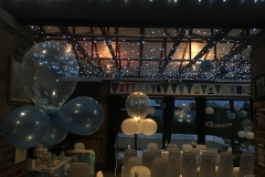 function room weeding blue balloons